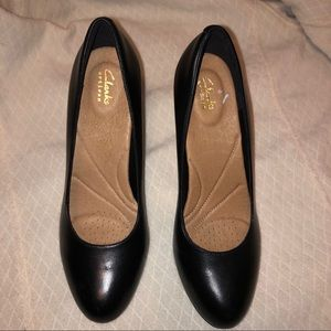 New Clarks Artesian black pumps size 10